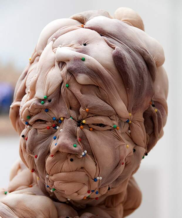 Скульптуры Rosa Verloop из колготок