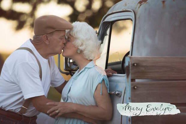 Романтическая фотосессия пожилых супругов
