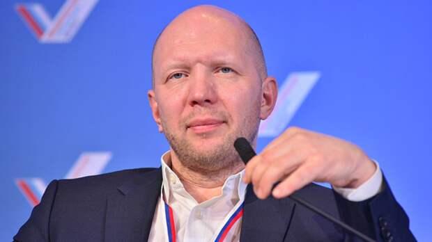 Ведущий Первого канала Кузичев обсудит с петербургскими журналистами итоги недели