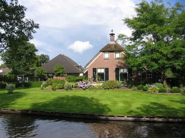 Giethoorn12 Гитхорн: деревня, где нет дорог
