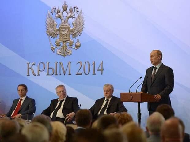 Путин: Керченский мост должны открыть до конца 2018 года
