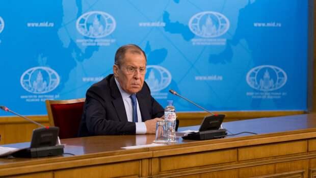 Глава МИД России отреагировал на инцидент с самолетом в минском аэропорту