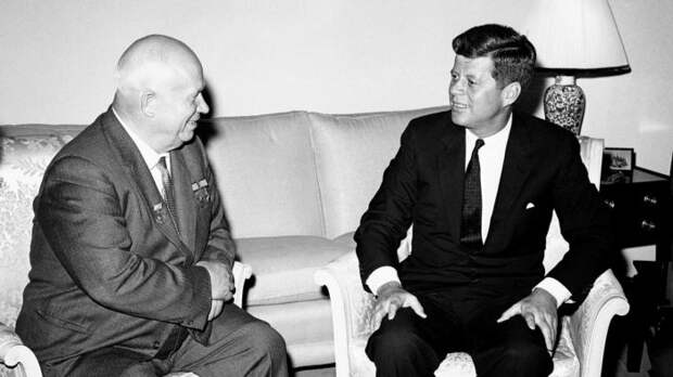 Для Советского Союза Джон Кеннеди был надеждой, но после своей смерти он стал проблемой. /Фото: gdb.voanews.com