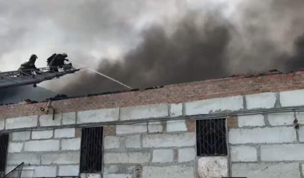 ВРостове назвали подробности крупного пожара вскладском здании наВавилова