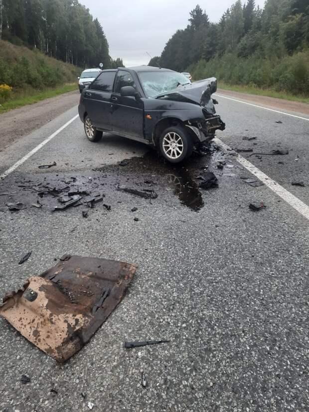 Водитель «Лады Приоры» погиб в аварии на трассе в Удмуртии