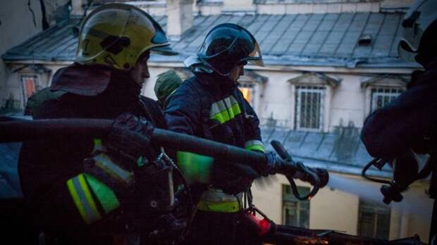 Гендиректор «Сахалинстроя» объяснил, почему горят крыши домов в Южно-Сахалинске