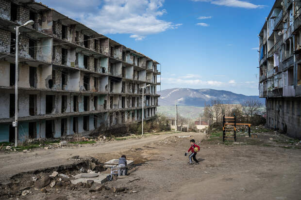 Многие страны призвали Баку и Ереван начать переговоры