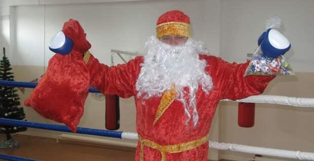 Дед Мороз тоже страшноват весело, деревня, интересно, новый год, село, юмор
