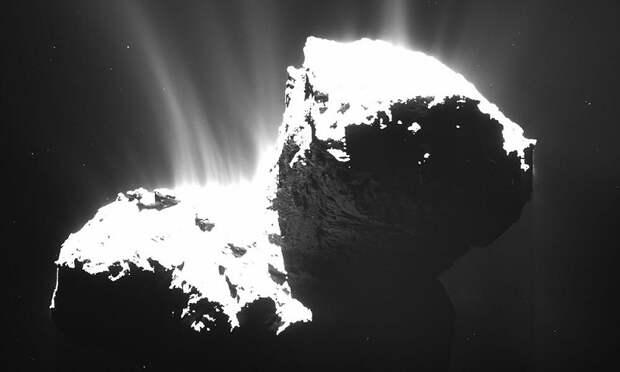 Вокруг кометы «Чурюмова - Герасименко» обнаружили необычное сияние