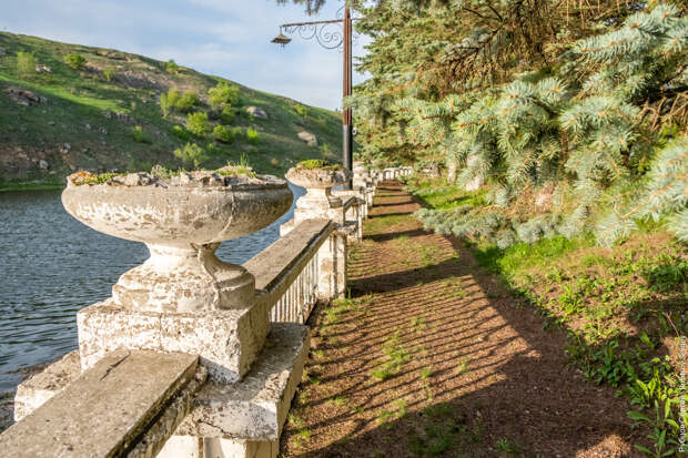Усадьба Талдыкиных, заброшенная мельница и Воргольские скалы