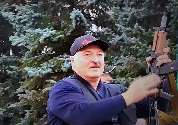 300 лет назад Лукашенко основал бы правящую династию