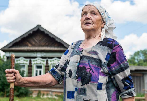 """""""Со своим огородом я управляюсь легко и никогда не нервничаю.""""   Главный совет деревенской бабушки"""