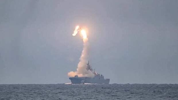 Россия переоснащает Северный флот и проводит испытания перспективных вооружений в Арктике