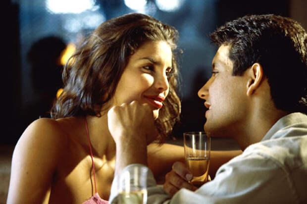 http://www.men-joy.jp/wp-content/uploads/2015/11/couple-in-love.jpg