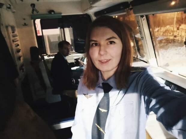 4 крутых факта о первой девушке-машинистке поезда в России