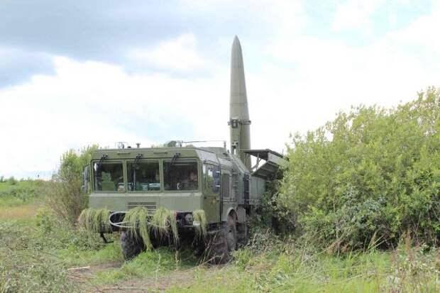 Под Калининградом «Искандеры» уничтожили узлы спутниковой связи условного противника