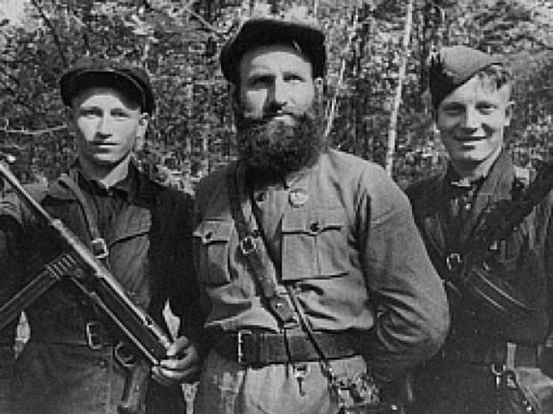 Как партизаны «аграрных фюреров» громили