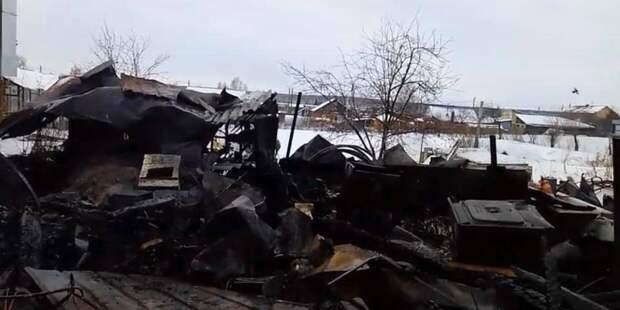 На Урале у пожаловавшейся на чиновников женщины сгорел дом и погиб муж