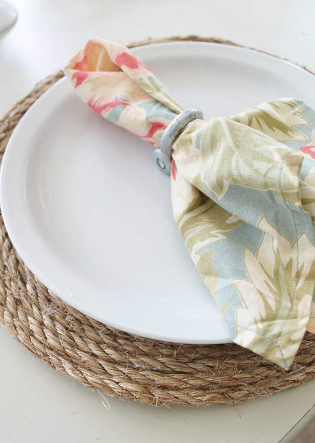 Салфетка под тарелку из джута