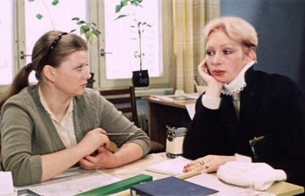 Кадр из фильма *Самая обаятельная и привлекательная*, 1985 | Фото: cinejournal.org