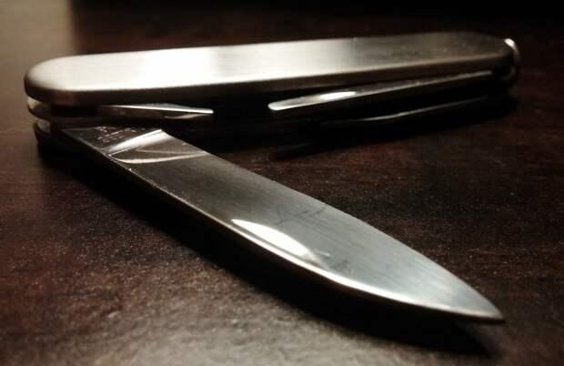 Подросток в Удмуртии пробрался в чужой дом и напал на спящих хозяев с ножом