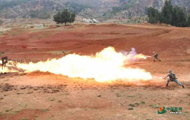 Пехотные огнеметы НОАК: устаревшие, но современные