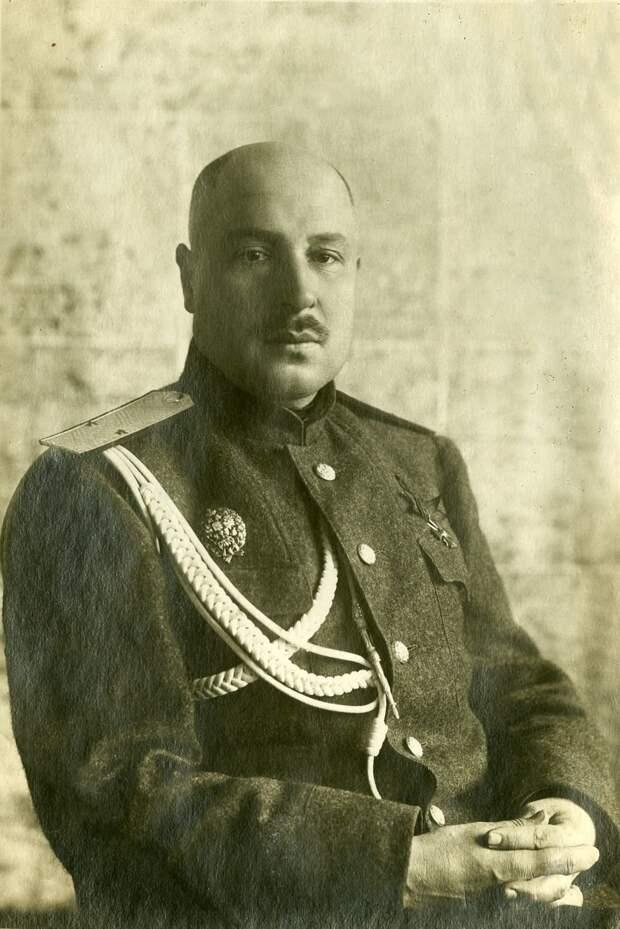 22 июня 1941 года начальник штаба Деникина и Врангеля пытался записаться на фронт добровольцем