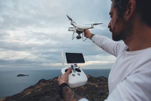Дождь в ОАЭ научились вызывать с помощью дронов