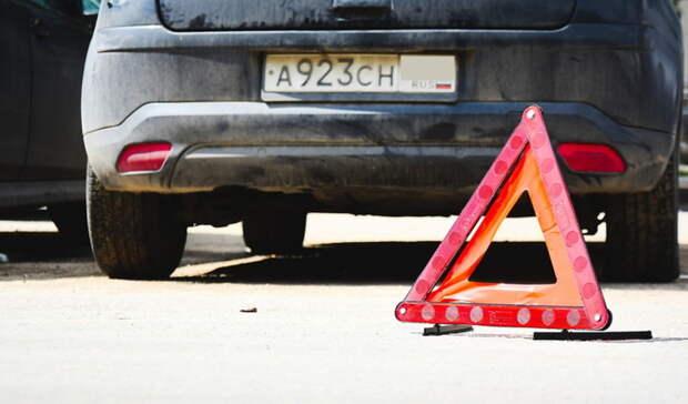 На трассе Оренбург-Орск столкнулись два автомобиля: есть пострадавший