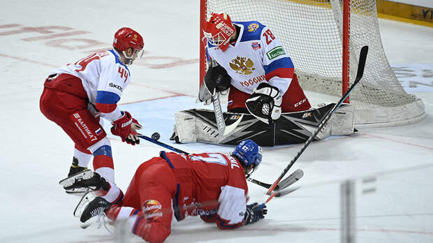 Разгром перед чемпионатом мира: Россия проиграла Чехии в последнем матче Еврохоккейтура