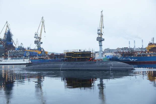 """Экипаж прибыл на новую подлодку """"Магадан"""" в Санкт-Петербурге"""