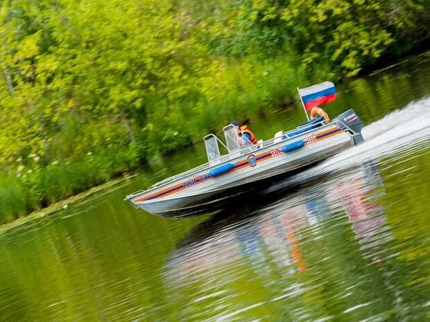 Три человека пострадали при столкновении двух лодок в Астраханской области