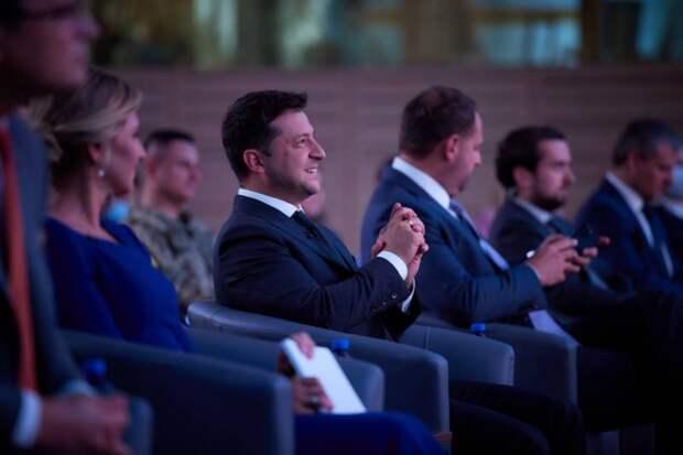 Украинский эксперт сравнил Зеленского с героем романа Достоевского