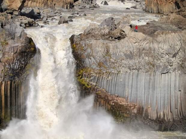 waterfalls03 Красоты водопадов Исландии в фотографиях