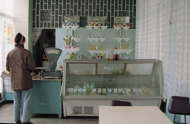 Вечная нищета советских магазинов.