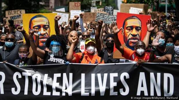 Байден назвал вердикт поделу обубийстве афроамериканца «шагом вперед»