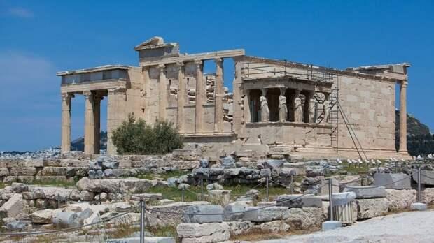 Греция начала принимать российских туристов без ограничений по COVID-19
