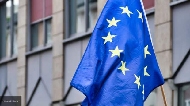 Вассерман о скандале в ЕС: Польша будет держаться за Евросоюз зубами и когтями