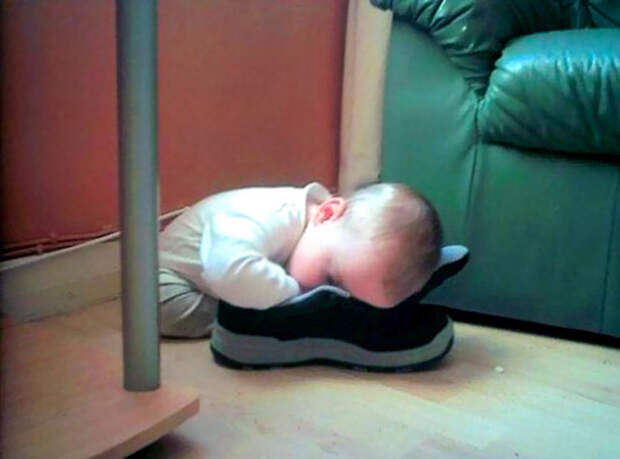 funny-kids-sleeping-anywhere-126-57aaebb19a8de__605