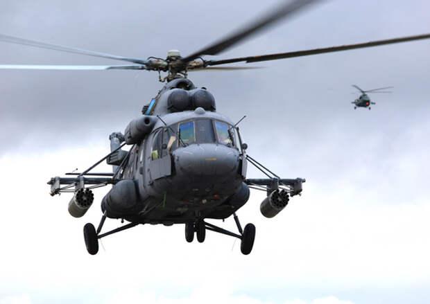 В Псковской области экипажи вертолётов Ми-8 Западного военного округа выполнили полёты в сложных метеорологических условиях