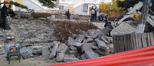 Архитекторы собянинской Москвы демонтируют центр Севастополя