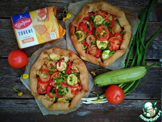Ржаная галета с овощами