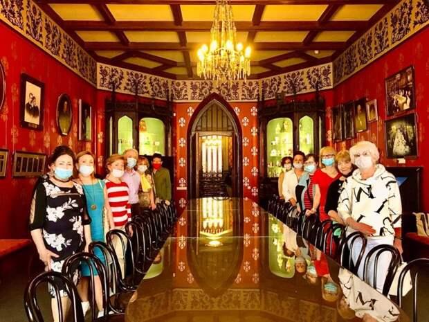 Пенсионеры из Савеловского побывали в театральном музее