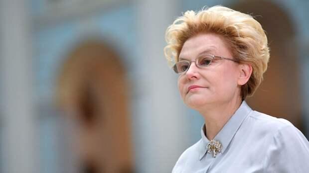 Елена Малышева рассказала, как читала кавалерам стихи Маяковского