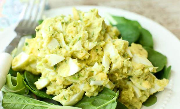 6 сытных салатов без майонеза: заменят весь ужин