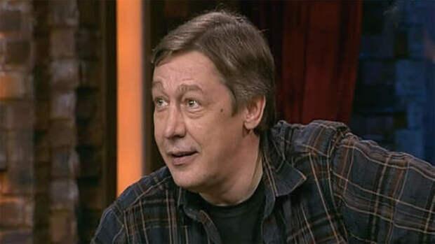 Адвокат запретил Михаилу Ефремову смотреть новости и ток-шоу