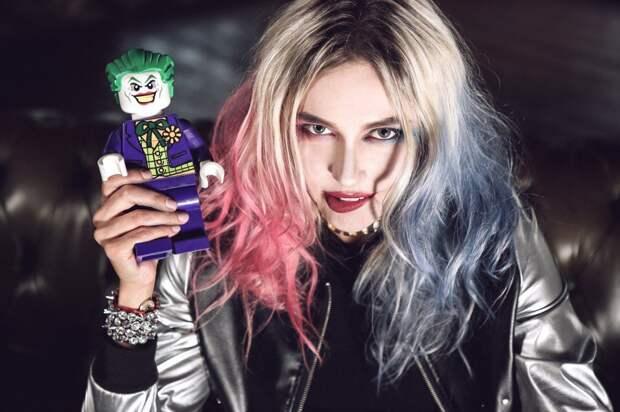 Актриса Наташа Рудова в образе Harley Quinn