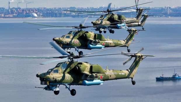 Пролет авиации над Петербургом завершил военный парад в честь Дня Победы