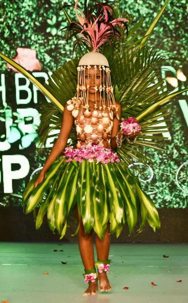 Наряды из растений на BioFashion Show (24 фото)