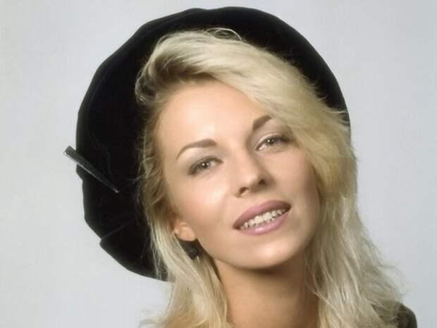 Легенды 1990-х: Наталья Ветлицкая, или История о загадочном исчезновении со сцены символа поколения Х